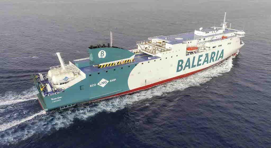 Balearia tiene amarrados 20 buques y 12 operativos