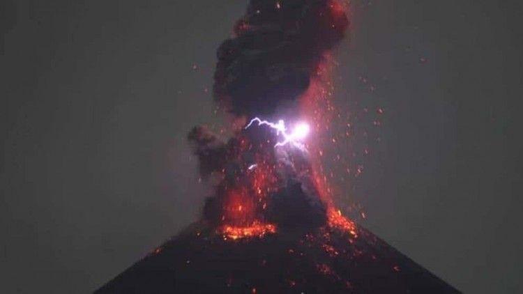El nuevo episodio volcánico deja imágenes impresionantes