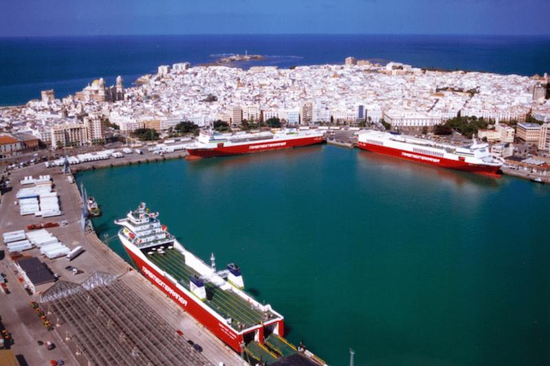 Tres Super-Fast atracados en el puerto de Cádiz (mayo de 2011)