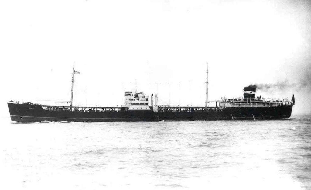 """El petrolero """"Campiz"""", en pruebas de mar en la bahía de Cádiz"""