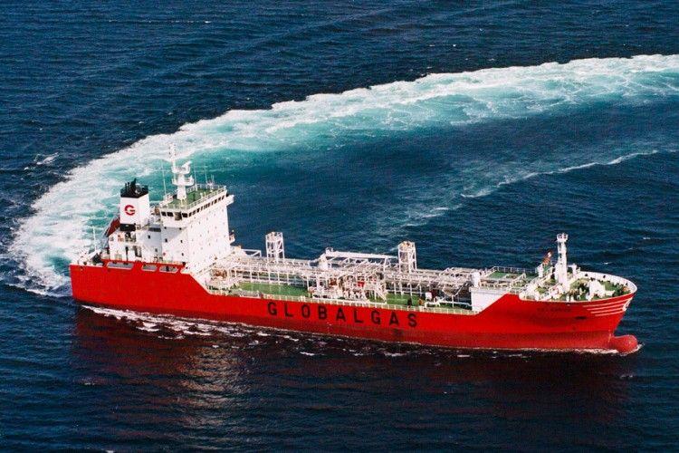 """El buque gasero """"Celanova"""", en sus pruebas de mar"""