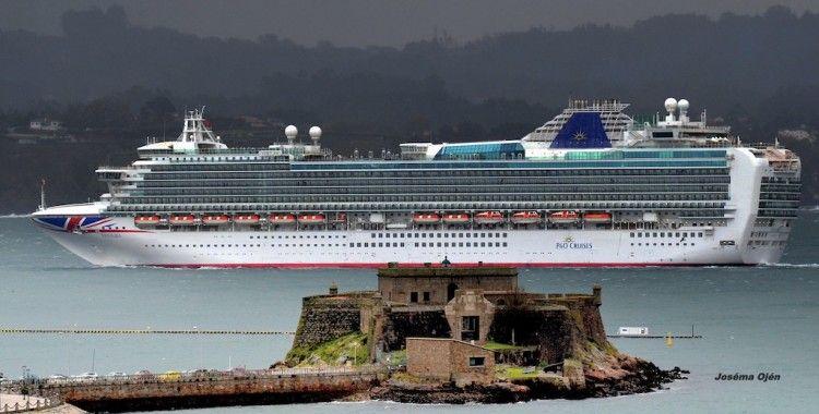 """En la imagen, el buque """"Ventura"""", casi gemelo del """"Azura"""""""