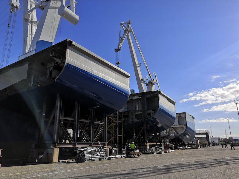Bloques prefabricados del casco del nuevo buque