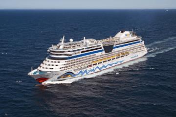 """El buque """"AIDAbella"""" está dando vueltas al sur de Tenerife"""