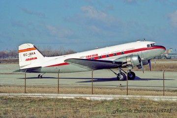 El avión Douglas DC-3 de Iberia EC-AHA, en sus últimos tiempos