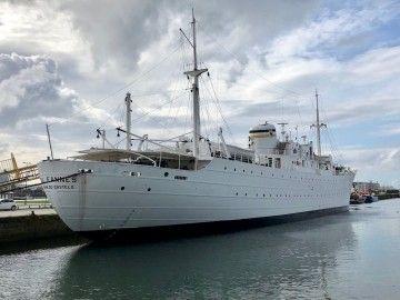 """El buque hospital museo """"Gil Eannes"""", atracado en Viana do Castelo"""