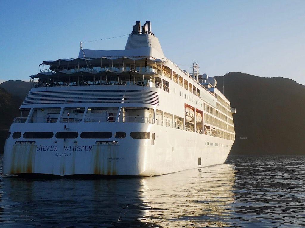 """El buque """"Silver Spirit"""" también está fondeado al resguardo de Anaga"""