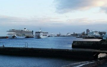 Panorámica, esta tarde, de la dársena de Anaga del puerto de Santa Cruz de Tenerife