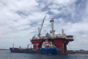 "El petrolero ""Panama 100"" y la plataforma ""Q7000"""