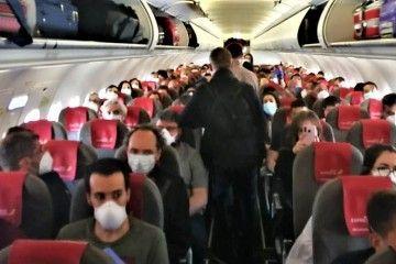 Una de las fotos que circulan en twitter de la ocupación del vuelo de Iberia Express
