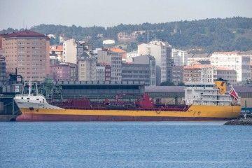"""El petrolero """"Dácil"""", en una de sus escalas en el puerto de A Coruña"""