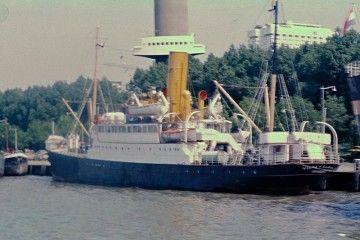 """El vapor """"Viera y Clavijo"""", emplazado en Parkkade (Holanda)"""