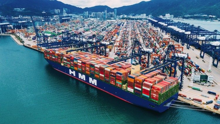 """El buque """"HMM Algeciras"""", el mayor del mundo en su clase. De momento"""