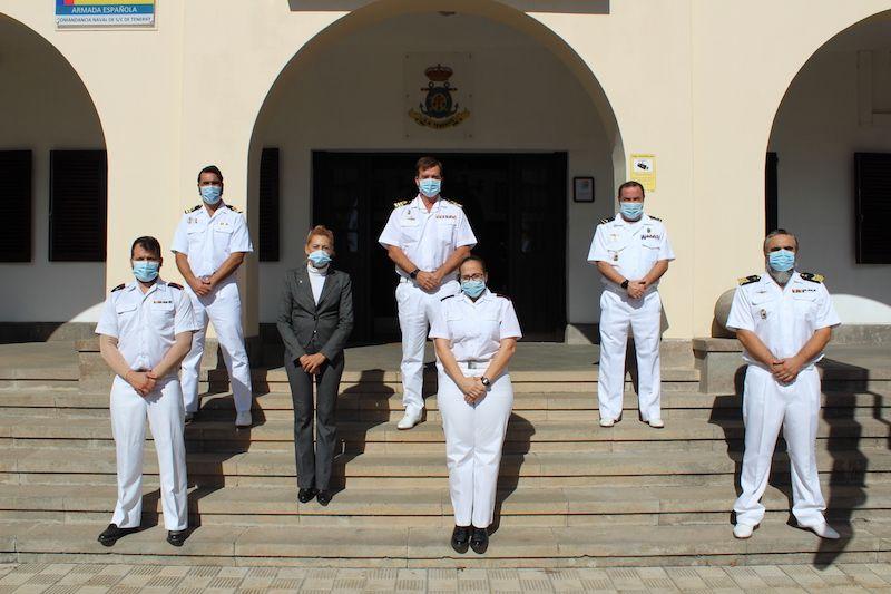 Comandante CF Pablo Dodero (centro superior) y personal destinado en la Comandancia Naval de Tenerife
