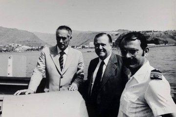 Rafael Caldera Rodríguez, entre Enrique Fernández Caldas y el capitán José Ramón León Herrera