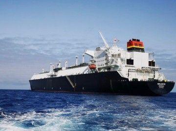 "El buque metanero ""Malanje"", fondeado al resguardo de Anaga"