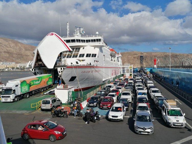 Plataforma para el embarque en Naviera Armas