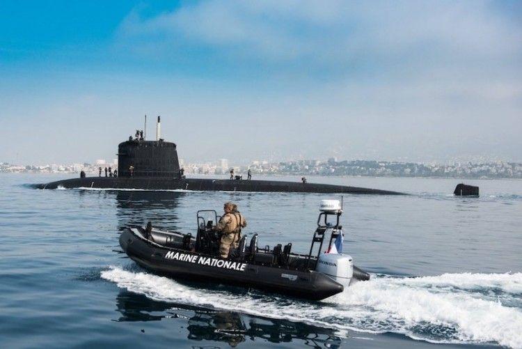 """El submarino """"Perle"""", afectado por un incendio exterior"""