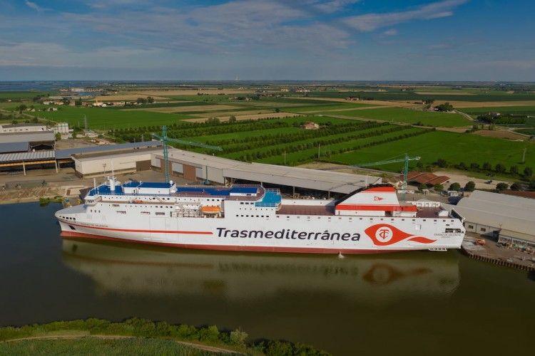 """El ferry """"Ciudad de Valencia"""", preparado para el comienzo de su vida marinera"""