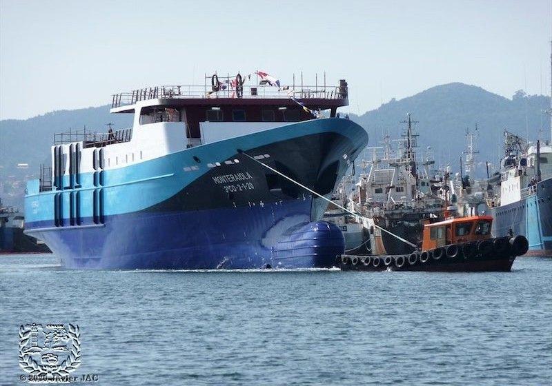 """El buque atunero """"Monte Raiola"""", tras su botadura"""