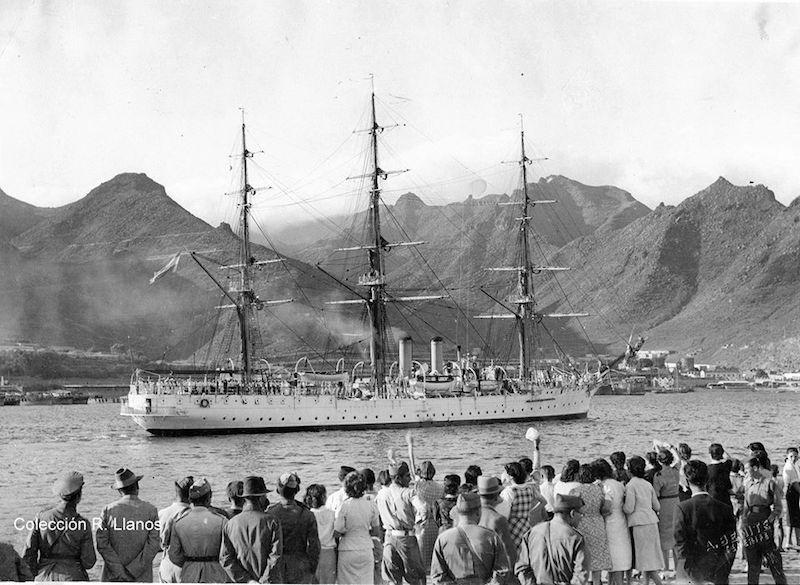 """Despedida de la fragata """"Presidente Sarmiento"""" en la escala de 1938"""
