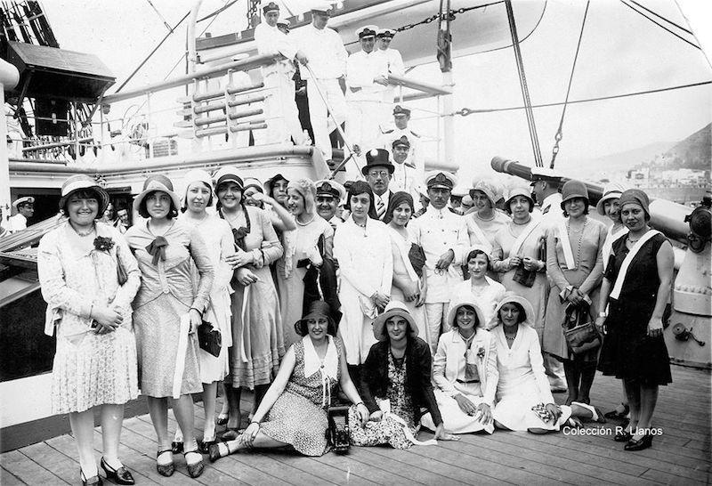 La presencia del buque-escuela siempre era un atractivo para la sociedad local