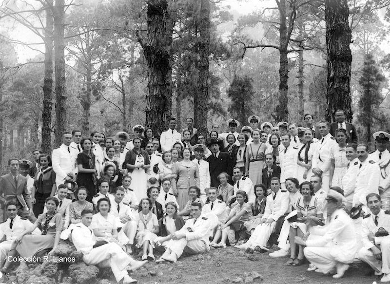 Foto de familia en una excursión a Las Raíces
