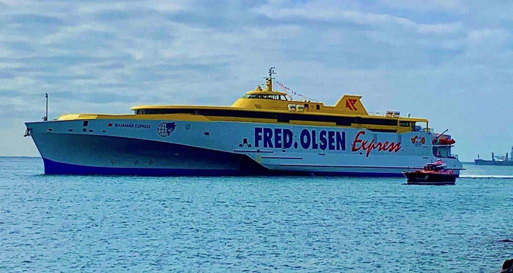"""Ell trimarán """"Bajamar Express"""" rinde viaje de posicionamiento"""