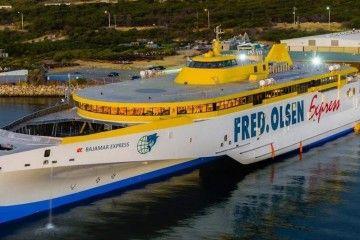 """El trimarán """"Bajamar Express"""" ya está en manos de Fred. Olsen"""