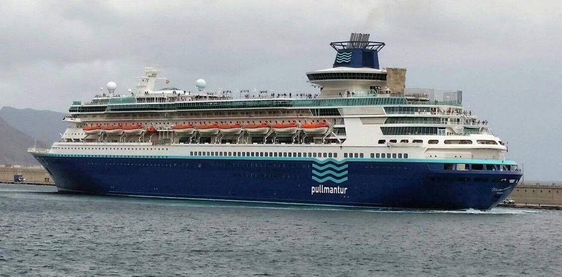 """El buque """"Monarch"""", en su primera escala en Santa Cruz de Tenerife (septiembre de 2017)"""