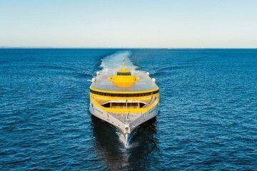 """El trimarán """"Bajamar Express"""" sigue su viaje hacia Canarias"""