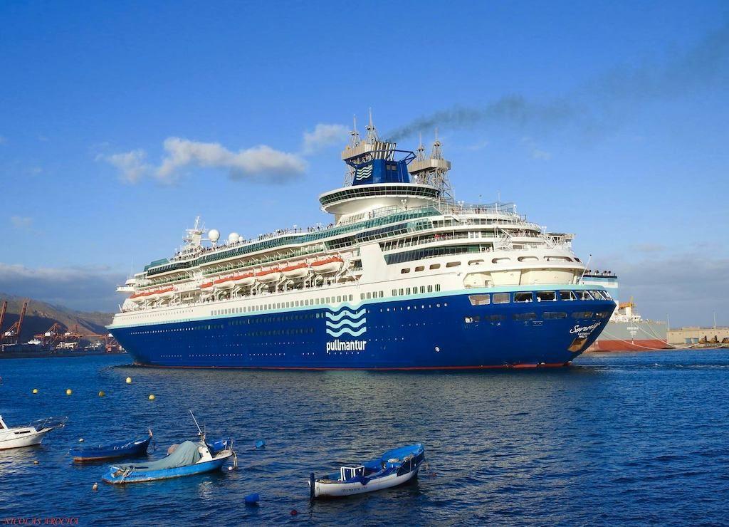 """El buque """"Sovereign"""" zarpa de Santa Cruz de Tenerife en una de sus últimas escalas"""
