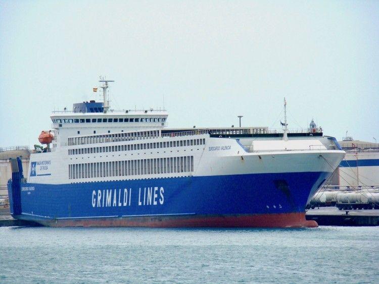 """Estampa marinera del buque rolón """"Eurocargo Valencia"""""""
