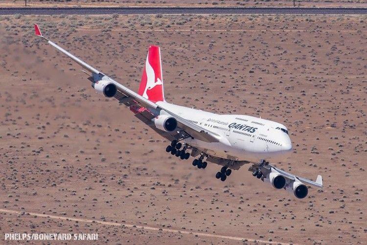 Maniobra de aproximación del último B-747 de Qantas al cementerio de aviones de Mojave