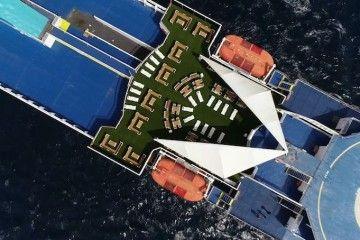 El material plástico reutilizado se emplea en terrazas a bordo