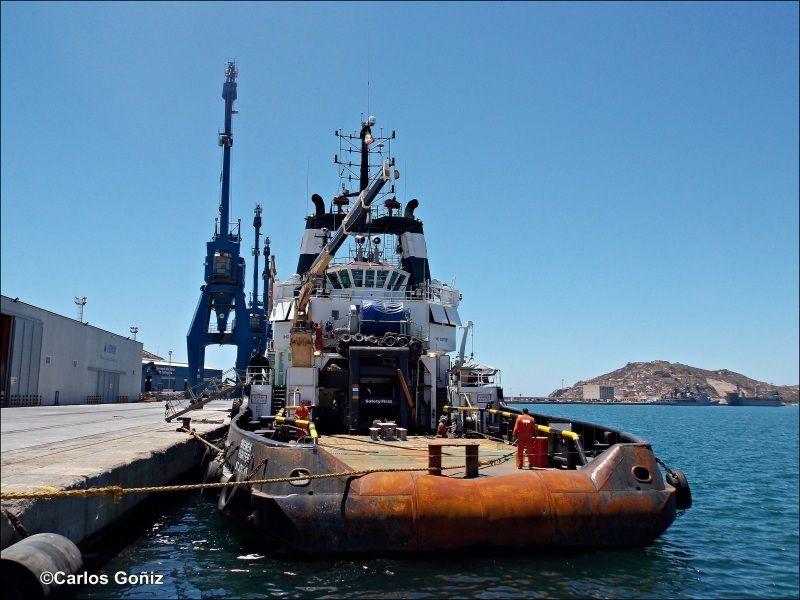 Visto de popa, atracado el 23 de mayo de 2014 en el puerto de Cartagena