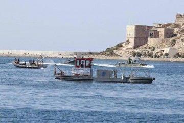 Varias embarcaciones acudieron en ayuda de los tripulantes