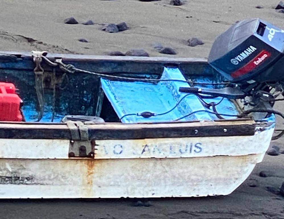 """La lancha auxiliar del """"Nuevo San Luis"""", utilizada como falsa patera"""