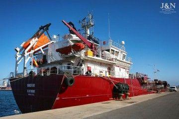 """El buque """"Bunker Bay"""", atracado en el puerto de Algeciras"""