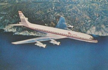 Postal del avión Douglas DC-8 de AVIACO con su primera librea de 1975
