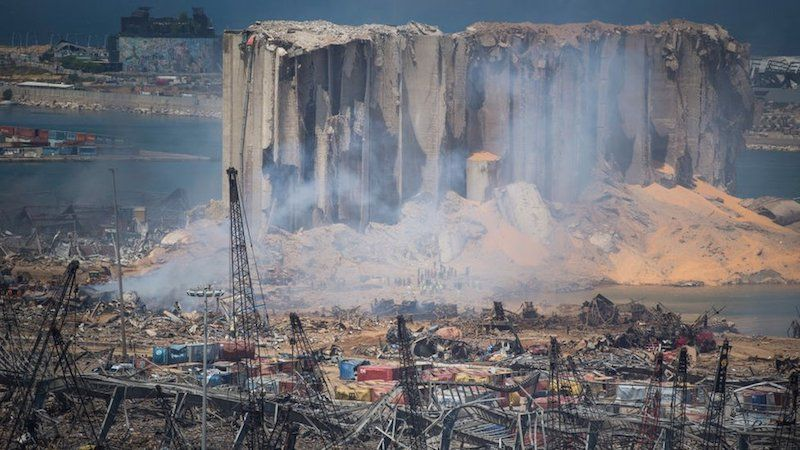 Destrucción del silo de grano, situado en el epicentro de la explosión