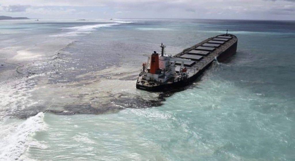 El vertido de fuel invade una zona de especial valor ecológico de Mauritius
