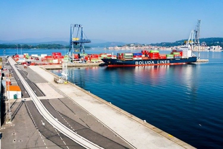 Panorámica de la terminal de Boluda en Vilagarcía de Arousa