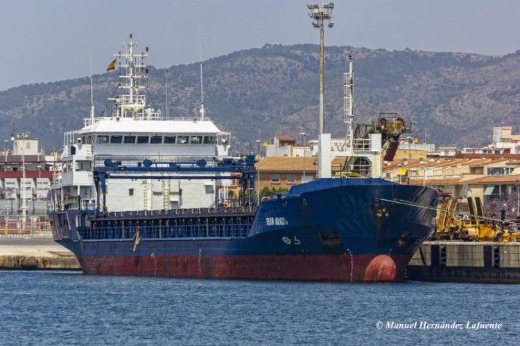 """El buque """"Tejo Alges"""", en una escala en el puerto de Valencia"""