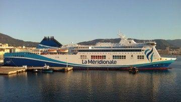 """Estampa marinera del ferry """"Girolata"""", de la flota de La Méridionale"""