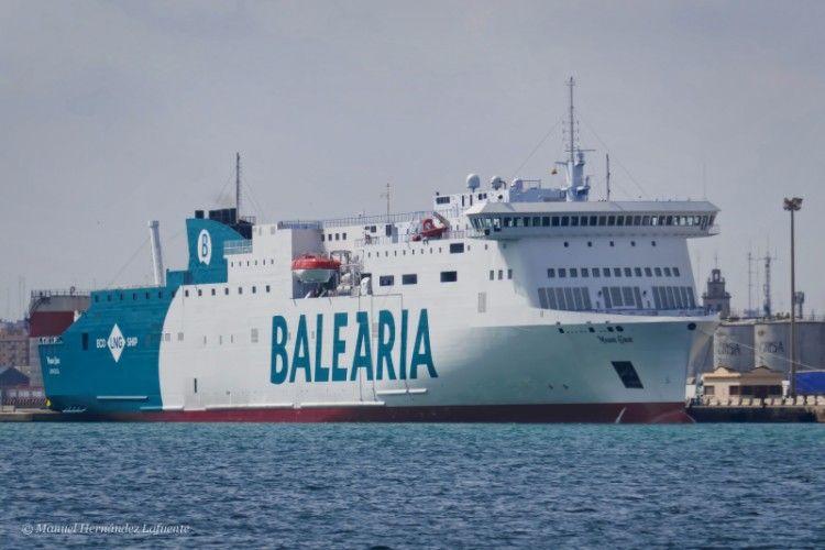 """El ferry """"Marie Curie"""" será relevado por el ferry """"Nápoles"""" en la linea Huelva-Canarias"""