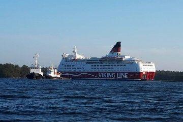 """El ferry finlandés """"Amorella"""", tras su puesta a flote"""