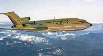 Prototipo del avión Boeing B-727 serie -100 en vuelo