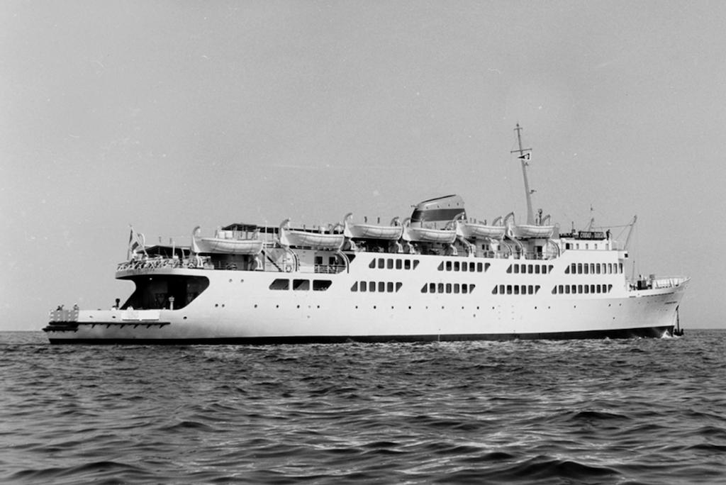 """El buque """"Ciudad de Tarifa"""", en pruebas de mar"""