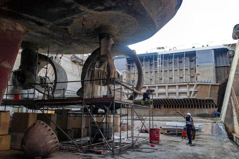 """Vista de las hélices del buque BS-41 """"Luz de Mar"""""""